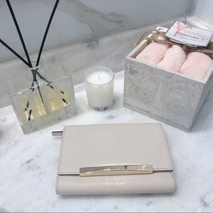 NWT Kate Spade Callie Wallet